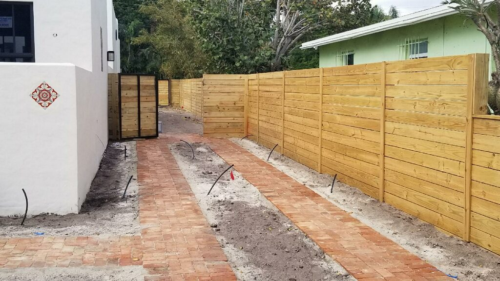 best residential fence company in Bakersfield CA