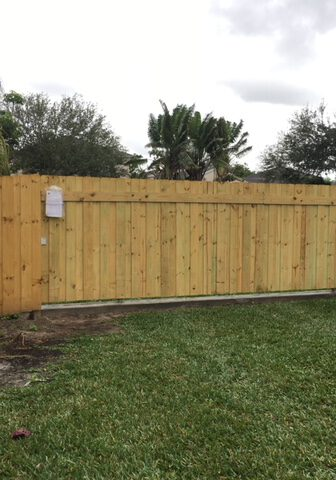 Privacy Fence installation in Stockdale Estates, California