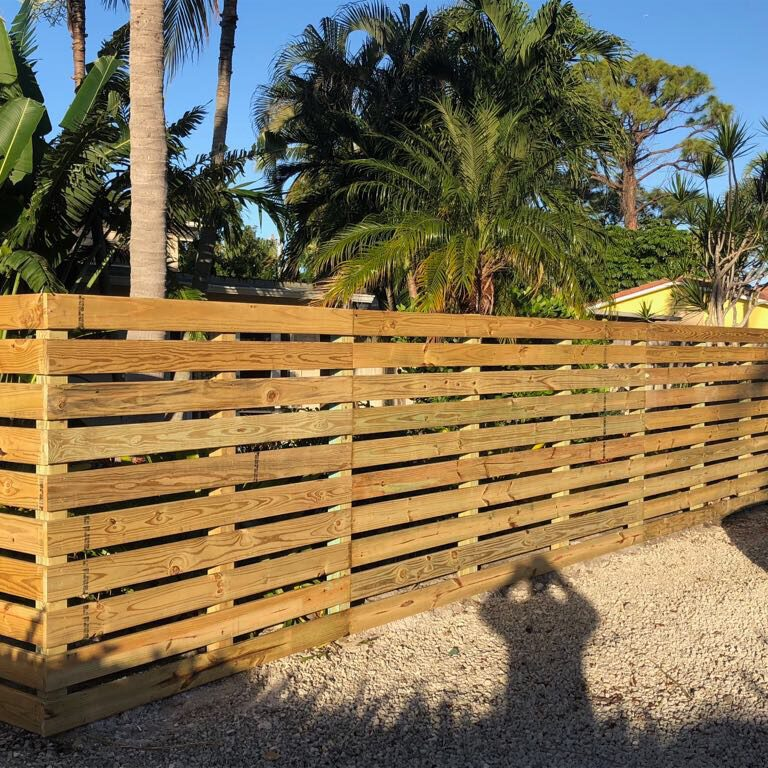 Top Fence Company in Stockdale Estates